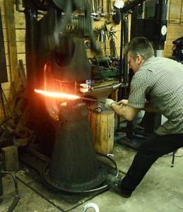 john-monteath-at-100-lb-hammer
